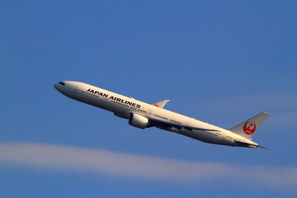 T.Sazenさんの日本航空 Boeing 777-300 (JA737J) 航空フォト