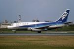 Gambardierさんが、伊丹空港で撮影した全日空 737-281の航空フォト(写真)