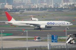 TAGUさんが、羽田空港で撮影した日本航空 777-346の航空フォト(飛行機 写真・画像)