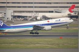 TAGUさんが、羽田空港で撮影した全日空 767-381の航空フォト(飛行機 写真・画像)