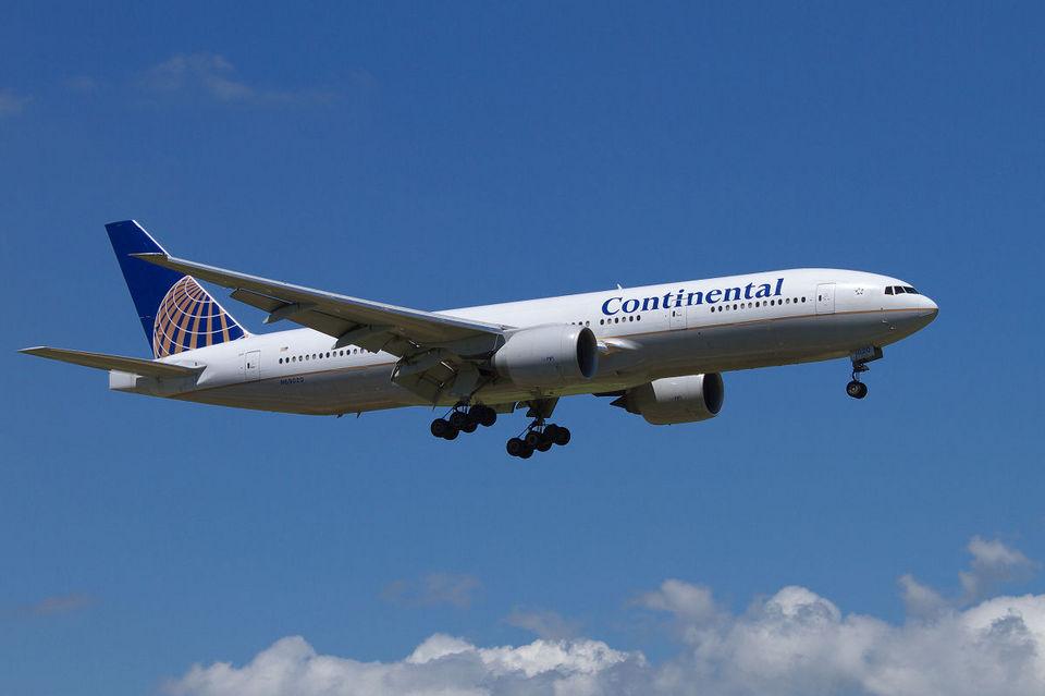 PINK_TEAM78さんのコンチネンタル航空 Boeing 777-200 (N69020) 航空フォト