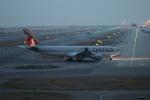 uhfxさんが、関西国際空港で撮影したカタール航空 A330-202の航空フォト(飛行機 写真・画像)