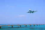 安芸あすかさんが、下地島空港で撮影した全日空 767-381の航空フォト(写真)
