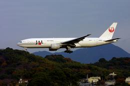 tsubameさんが、福岡空港で撮影した日本航空 777-246の航空フォト(飛行機 写真・画像)