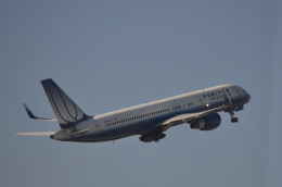 Korean Air KEさんが、ジョン・F・ケネディ国際空港で撮影したユナイテッド航空 757-222の航空フォト(飛行機 写真・画像)