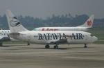 やまっちさんが、スカルノハッタ国際空港で撮影したバタビア航空 737-2T4/Advの航空フォト(写真)