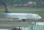 やまっちさんが、スカルノハッタ国際空港で撮影したメルパチ・ヌサンタラ航空 737-230/Advの航空フォト(写真)