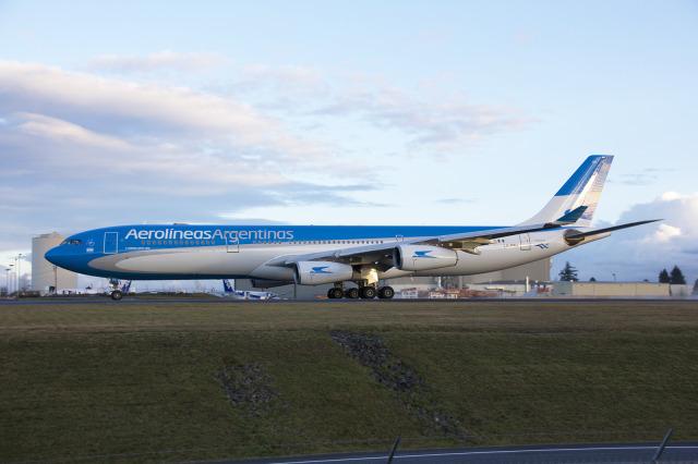 アルゼンチン航空 Airbus A340-3...