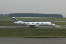 hiroki_h2さんが、パリ シャルル・ド・ゴール国際空港で撮影したレジォナル ERJ-145MPの航空フォト(飛行機 写真・画像)