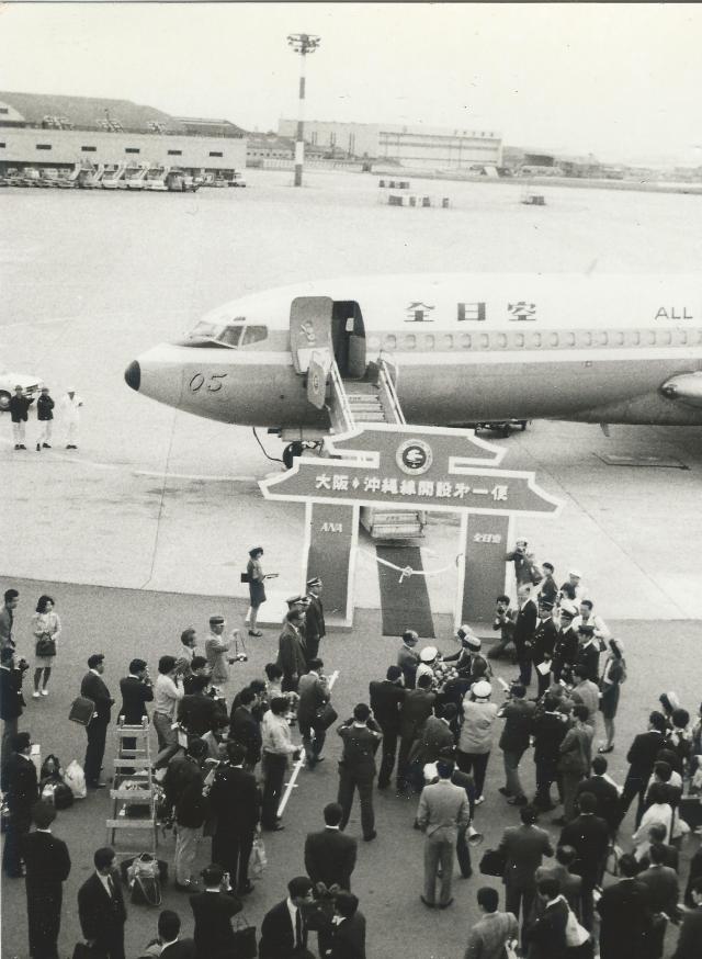 全日空 Boeing 727-100 JA8305 ...