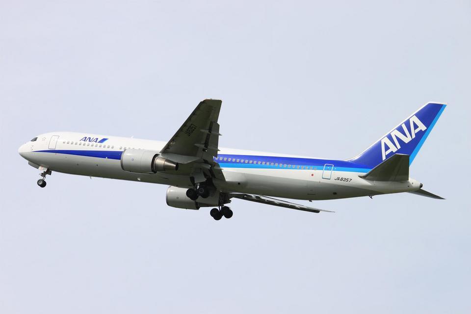 Kuuさんの全日空 Boeing 767-300 (JA8357) 航空フォト