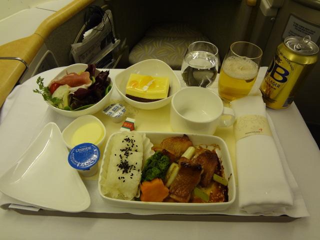 OZ105の搭乗レビュー写真