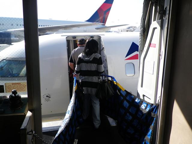 DL4718の搭乗レビュー写真